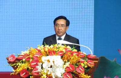hường trực Ban Bí thư, Phó Chủ tịch nước CHDCND Lào Phankham Viphavanh phát biểu tại buổi lễ. (Ảnh K.T)