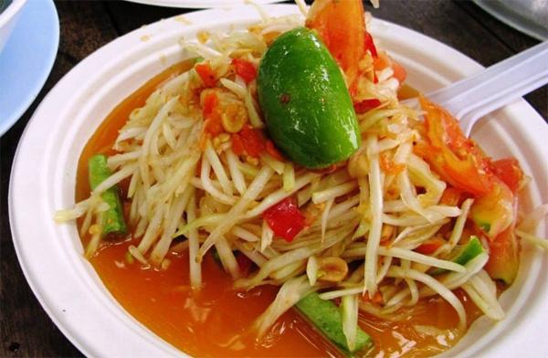 Món nộm đu đủ tại Lào