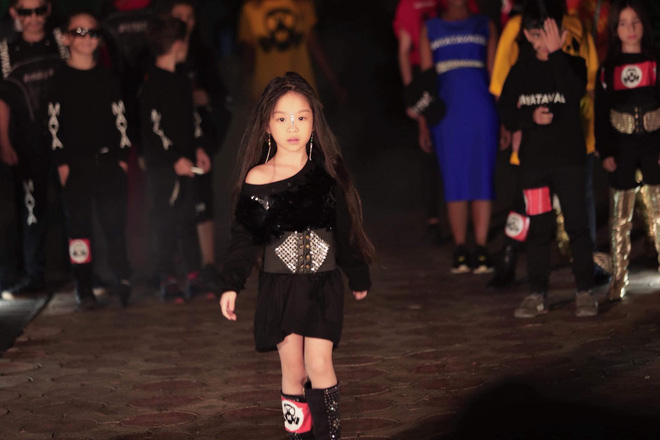 Hồng Lam thể hiện phần thi Belly Dance