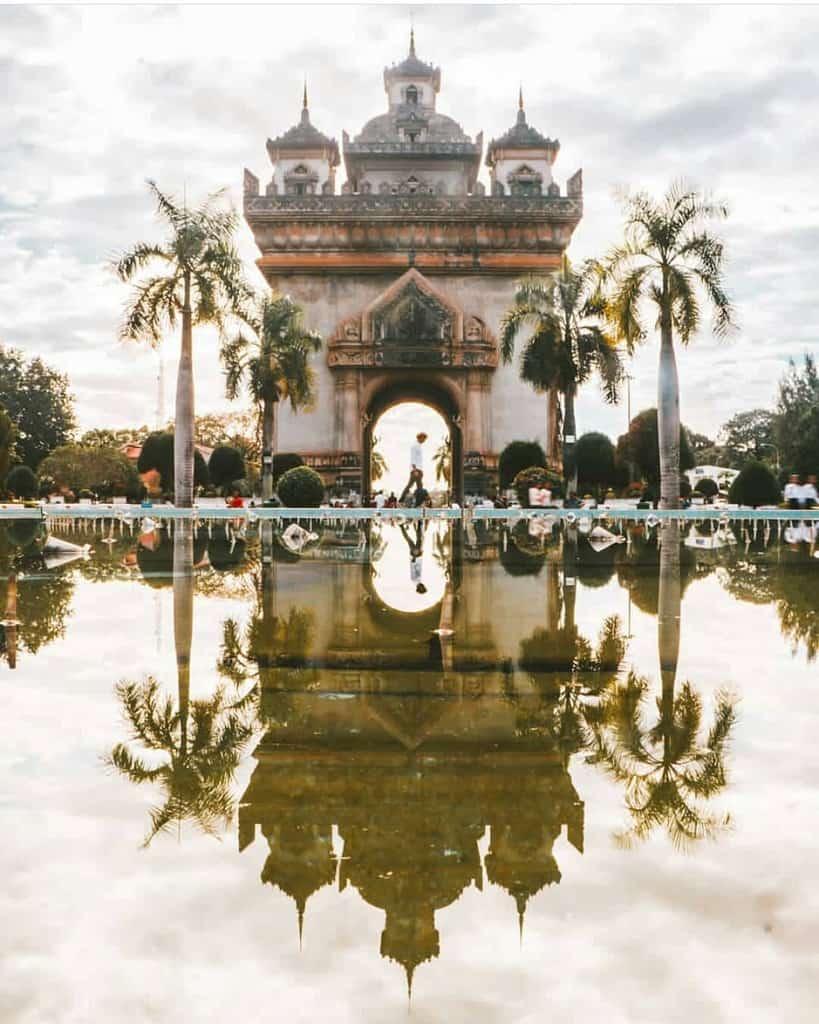 Khải Hoàn Môn Patuxay tại Lào.