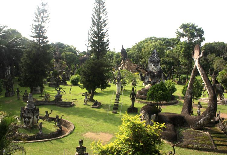 Vườn Tượng Phật.