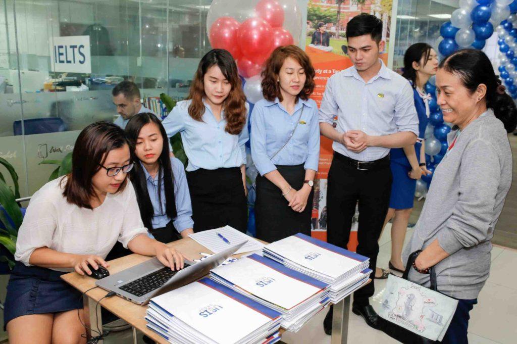 Sự kiện tư vấn và chia sẻ kinh nghiệm du học do Usis Education tổ chức