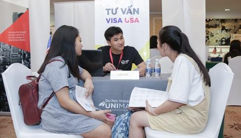 Nhiều sinh viên quốc tế được bố mẹ đầu tư cho du học sớm ở tuổi trung học.