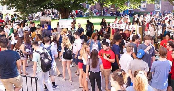 Ngày hội hoạt động ngoại khóa của các bạn sinh viên