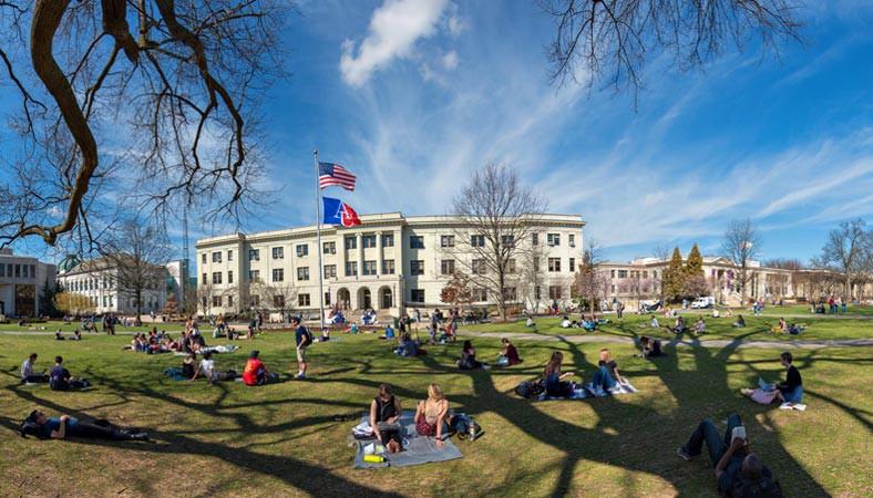 Khuôn viên trường đại học Mỹ