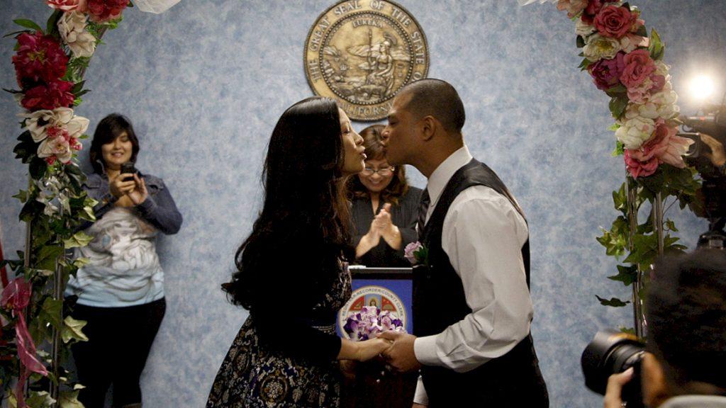 Kết hôn với công dân Mỹ một cách để lấy được thẻ xanh