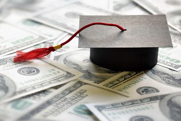 Chứng minh năng lực tài chính là điều kiện bắt buộc để chính phủ Mỹ đảm bảo rằng bạn sẽ không bỏ học và đi làm bất hợp pháp