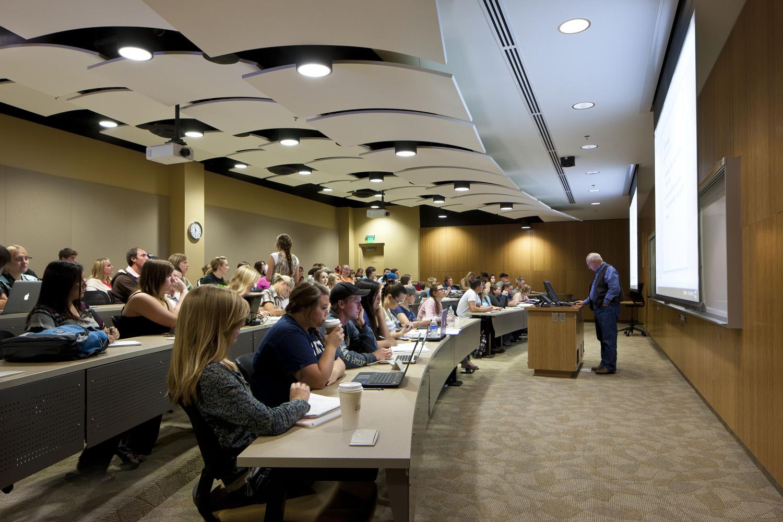 Các trường Đại học của Mỹ độc chiếm các vị trí xếp hạng đầu tiên