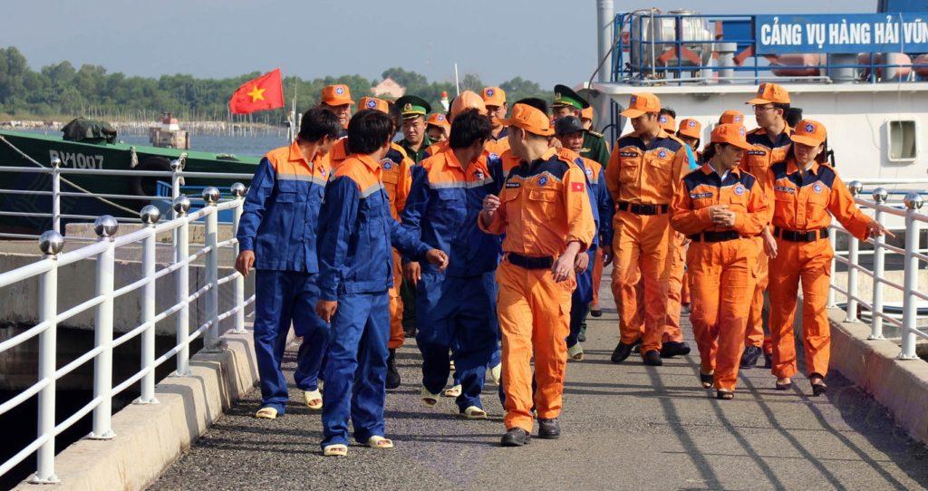 Đồng phục bảo hộ lao động giúp giảm tác hại của nắng nóng