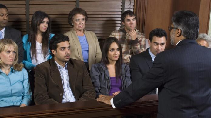 Bạn có thể tham gia vào bồi thẩm đoàn