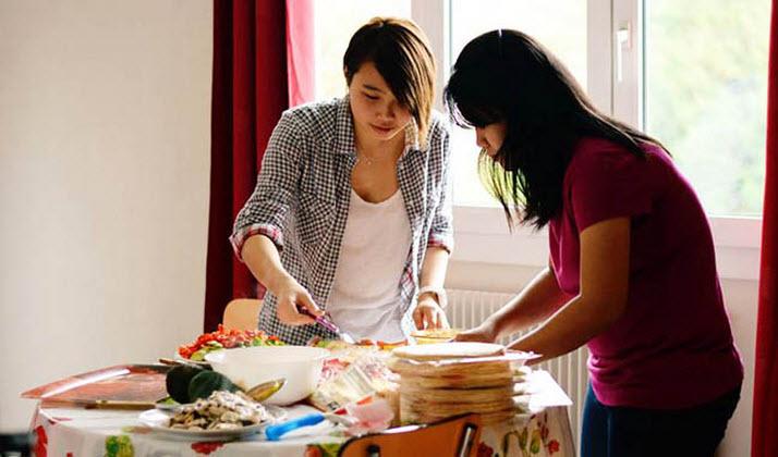 Hãy tự nấu ăn tại nhà để tiết kiệm chi phí du học Mỹ
