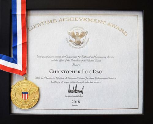 Lifetime Achievement – giải thưởng Thành tựu Trọn đời do đích thân Tổng thống Mỹ ký tặng.