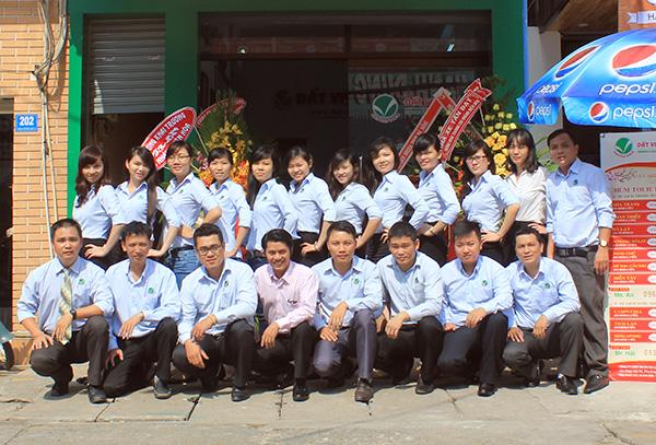 Đất Việt Tour cũng là một trong những website đặt tour du lịch nhận được nhiều đánh giá tích cực từ phía khách hàng
