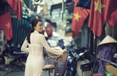 Cô gái Việt Nam