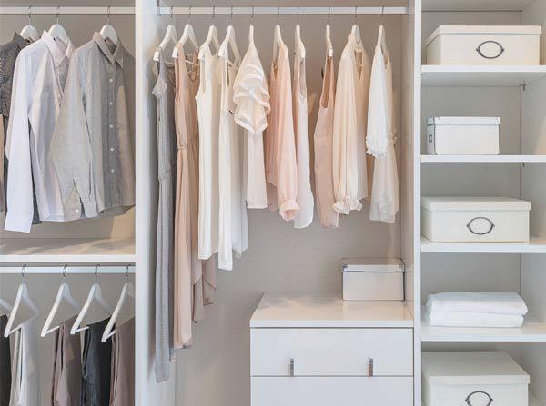 nếu biết cách sắp xếp và bố trí hợp lí thì những đồ cũng sẽ trở thành đồ trang trí cho căn phòng bạn